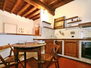 Lovely Florence Apartment at Santa Maria Novella in Palchetti - Florence vacation rentals