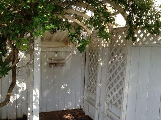 Leucadia Guest Cottage - Walk to Beach - Encinitas vacation rentals
