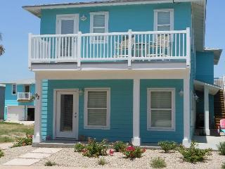 Sea La Vie, New 4 bedroom, 3.5 bath, 2 master suites, sleeps 12 - Port Aransas vacation rentals