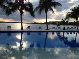 Fantastic Ocean View, Chac Hal Al Puerto Aventuras - Puerto Aventuras vacation rentals