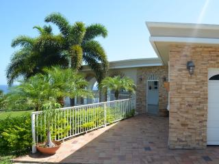 La Villa Aguila: 2-story vacation beach home - Camuy vacation rentals