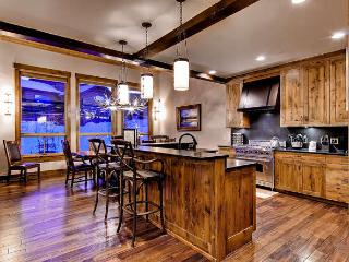 Retreat at Lewis Ranch - Ski Access, Hot Tub - Copper Mountain vacation rentals