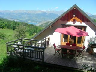 Amazing 2 Bedroom Chalet with Views of the Southern Alps and the Lac de Serre-Pon - Gap vacation rentals