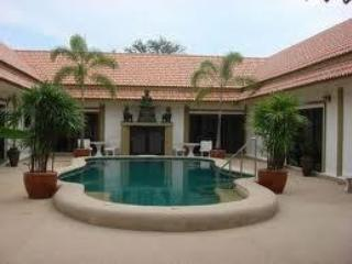 beautiful bang saray just 90 minutes from bangkok - Sara Buri vacation rentals