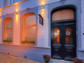 Nice Bed and Breakfast with Central Heating and Housekeeping Included - Izegem vacation rentals