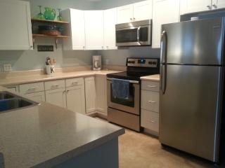 Largest unit at Pelican Bay spacious updated unit! - Osage Beach vacation rentals