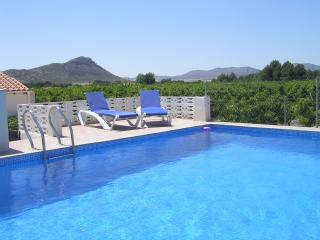 Beautiful House with Internet Access and Satellite Or Cable TV - Villena vacation rentals