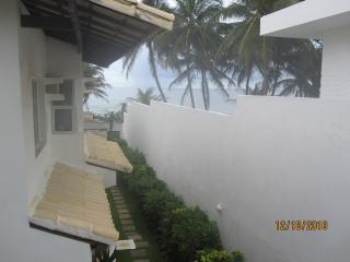 Apartamento na Praia Pedra do Sal (Itapuã) - Salvador vacation rentals