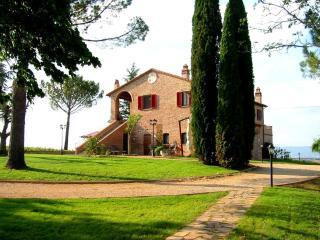 Podere Fontegallo - Spectacular Views - Il Cedro - Umbria vacation rentals