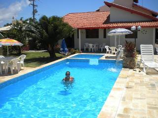 Excelente casa em Vilas do Jacuipe no Litoral norte com acesso a internet - Monte Gordo vacation rentals