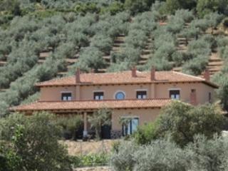 Casa Rural con encanto, todas las comodidades, tranquila, vistas espectaculares, piscina y buena comida. - Image 1 - Garbayuela - rentals