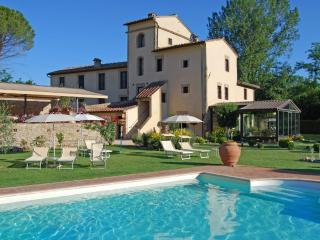 Charming Bed and Breakfast in Tuscan Countryside - San Gimignano vacation rentals