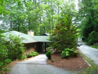 Perfect 3 bedroom Glenville House with Deck - Glenville vacation rentals
