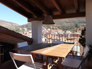 Charming rural house with big terrace - Valverde de la Vera vacation rentals