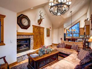 Saddlewood Ski Chalet- Ski in/out, hot tub - Breckenridge vacation rentals