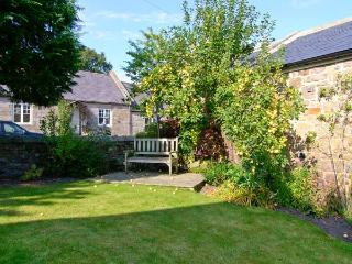 APPLETREE COTTAGE, character cottage in village setting, open fire, in Chatton Ref 29281 - Chatton vacation rentals