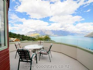 Wynyard Ruby's Place - Queenstown vacation rentals