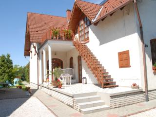 3 bedroom Apartment with Internet Access in Siofok - Siofok vacation rentals
