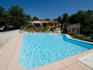 Aix-en-Provence,vacation property heated pooll - Greasque vacation rentals