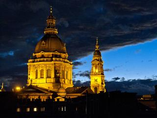 HOSTEL PRICE FOR A WHOLE TOP FLOOR STUDIO - Budapest vacation rentals