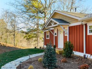 Brand New  Cottages at Pleasant Grove Cottages - Asheville vacation rentals