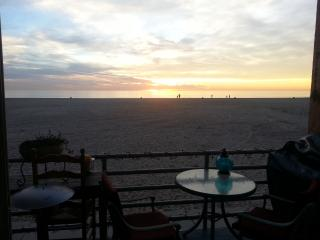 Exclusive Furnished Luxury Beach Front Condo - Marina del Rey vacation rentals