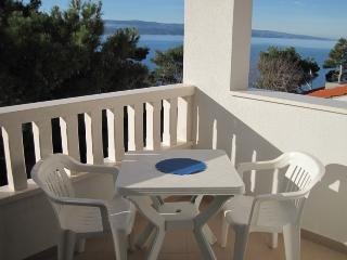 Cosy apartment just 50 m from the beach - Mimice vacation rentals