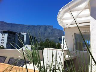 CHEZ MAX Cape Town, luxury lifestyle in the city - Western Cape vacation rentals