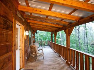 "Tellico Cabins ""Angler"" Log Cabin With Hot Tub - Tellico Plains vacation rentals"