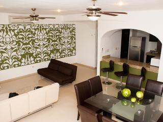 Apartment 6 ppl at 50 meters from the beach! - Playa del Carmen vacation rentals