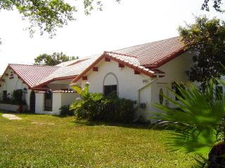Casa Blanca - Luxury Mansion in the Florida Sun - Plantation vacation rentals