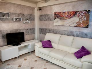 Suite la Boutique _ Duomo Area - Florence vacation rentals