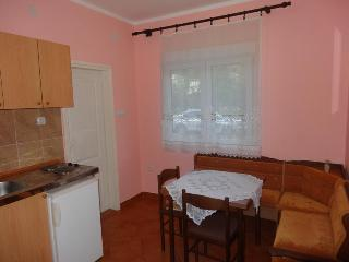 1 Bedroom Apart. with 4 beds - No.1 - Tivat vacation rentals