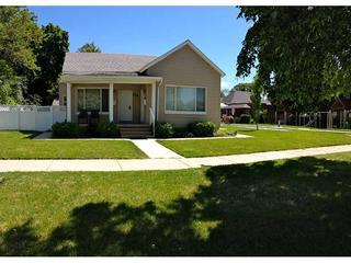 Front of historic house built in the 1800s with Pugsley park across the street - Pugsley B 1 bedroom/1 bath home, pet friendly - Salt Lake City - rentals