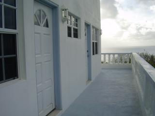 CHERRY HILL APARTMENT,  CARRIACOU, GRENADA (NEW) OPENING RATES TILL AUGUST 2014 - Carriacou vacation rentals
