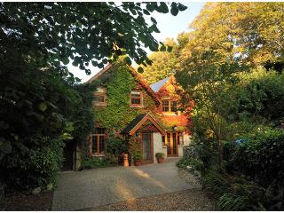 Four Star, Gold Award, secluded character cottage. - Ventnor vacation rentals