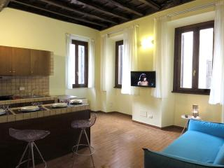 Trevi Fountain - Renovated Fabulous Apartment - Rome vacation rentals