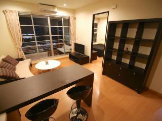 2 Bedroom City Center+BTS+Airport Link+shopping - Bangkok vacation rentals