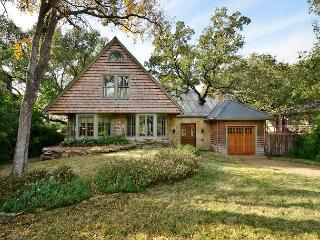 4BR/3BA Spacious Home Minutes from Downtown With Pool & Spa! - Austin vacation rentals