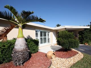 Charming 2 bedroom House in Fort Lauderdale - Fort Lauderdale vacation rentals