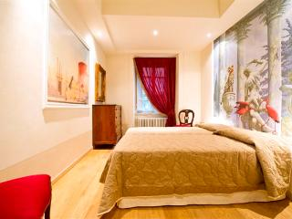 Lucca's exclusive luxury apartment - Lucca vacation rentals