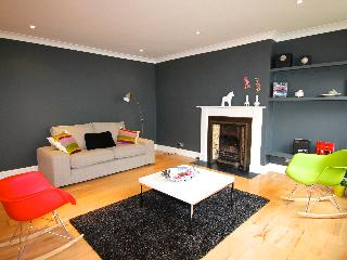 Stunning Light Mews Vacation Rental on Gloucester Road in London - London vacation rentals