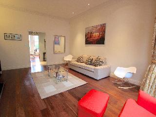 Kensington Luxury Apartment with Garden - London vacation rentals
