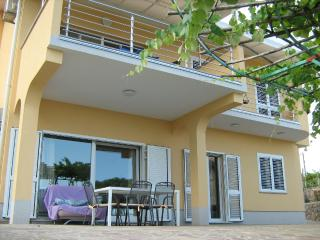 HOLLY - beautiful 100m2 apartment in Icici - Icici vacation rentals