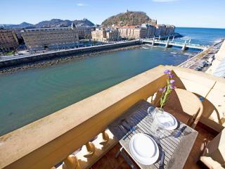 Romantic 1 bedroom Condo in San Sebastian - Donostia with Internet Access - San Sebastian - Donostia vacation rentals