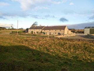 THE PARLOUR, family friendly, character holiday cottage, with a garden in Tideswell Moor, Ref 29546 - Tideswell vacation rentals