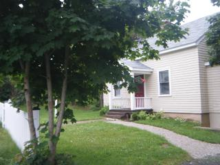 Cherry Lane Cottage Mahone Bay NS - Mahone Bay vacation rentals