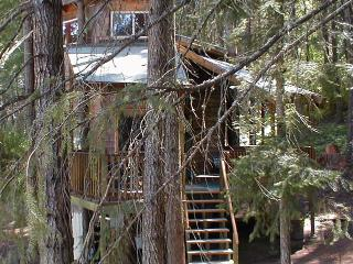 Romantic Wilderness TreeHouse (by Hood River, OR) - White Salmon vacation rentals