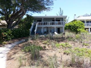 UPDATED OLD FLORIDA STYLE COTTAGE LIVING ON THE BEACH - Indian Shores vacation rentals