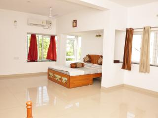 Mel Ville Serviced Apartment ~ Penthouse Suite ~ Quartz - Pondicherry vacation rentals